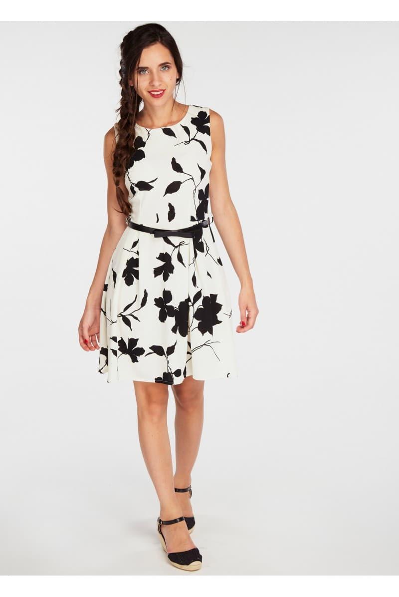 robe fleurie comment la porter pour tre tendance. Black Bedroom Furniture Sets. Home Design Ideas